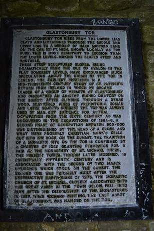 グラストンベリー,トー,石碑